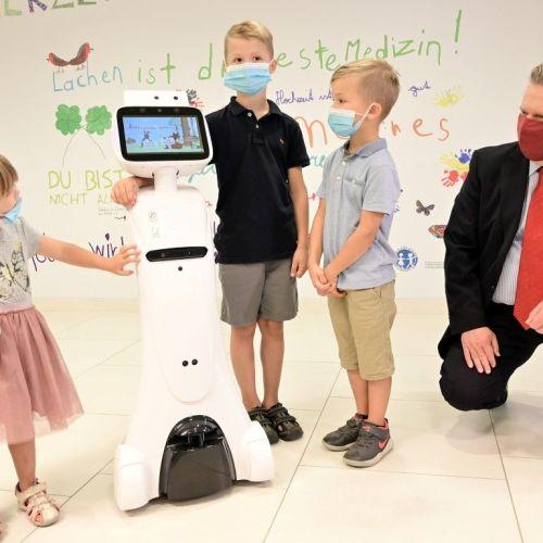 Egészségügyi robotok a bécsi kórház gyermekügyeletén