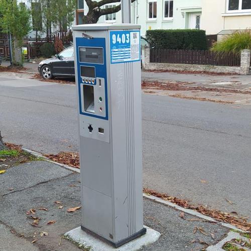 Miért működnek Sopronban a parkolóautomaták ha ingyenes a parkolás?