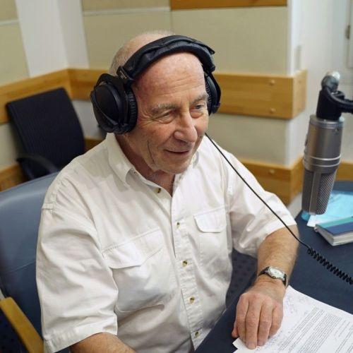 500. adásával jelentkezik a Zeneközelben, Juhász Előd emblematikus zenei beszélgetős műsora