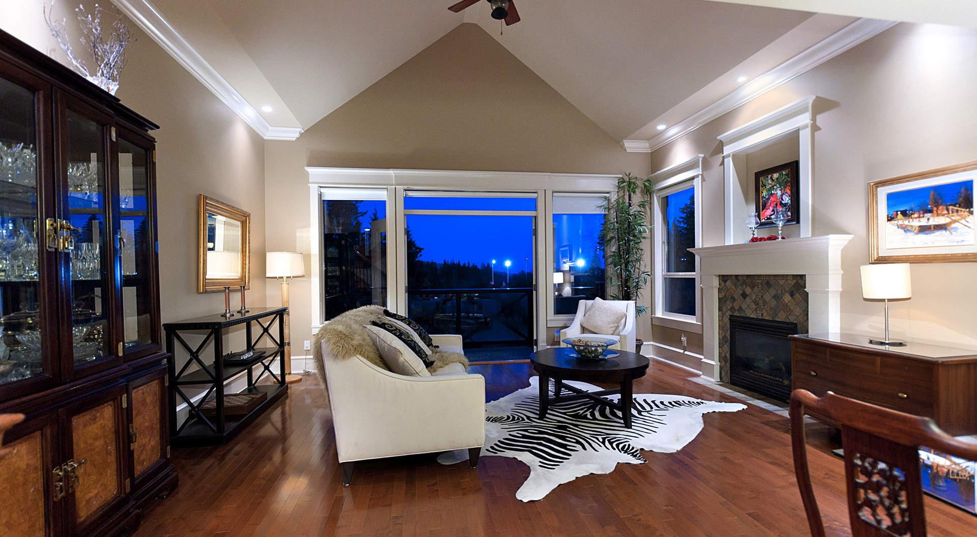 lg kitchen suite orange towels 3454 anne macdonald way - 西温哥华住房与地产——加拿大不列颠哥伦比亚省