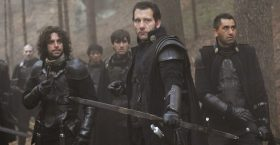 Clive Owen Back to Action in Last Knights – Trailer Inside
