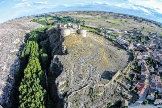Vistas al Castillo y al cañón de Berlanga de Duero. Foto: Juan Pedro Alzmazán. Hoz del rio Escalote