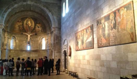Museo Metropolitano de Nueva York. A la derecha obras de San Baudelio