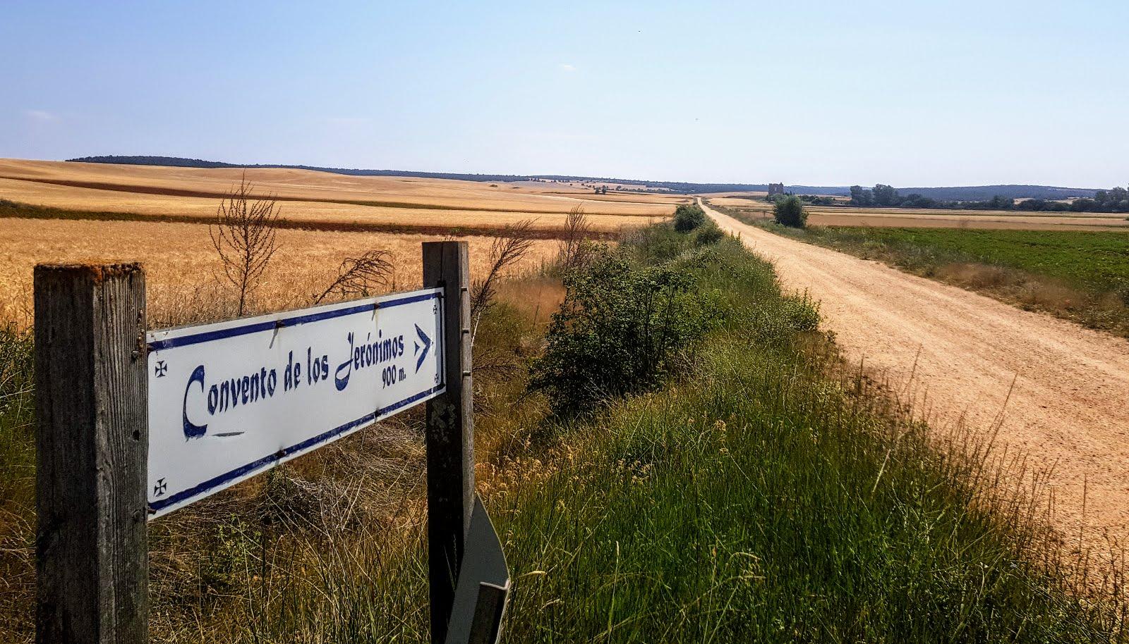 Camino-del-monasterio-de-los-jeronimos