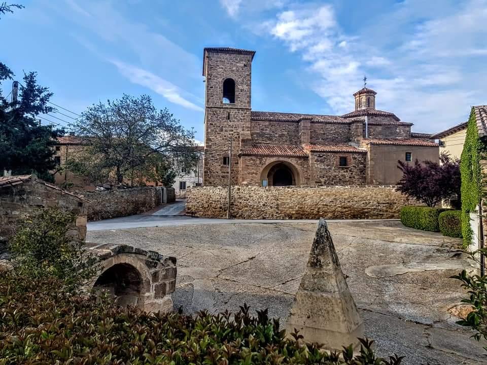 Iglesia de Fuentestrún