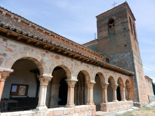 Iglesia Románica de San Martín de Tours.