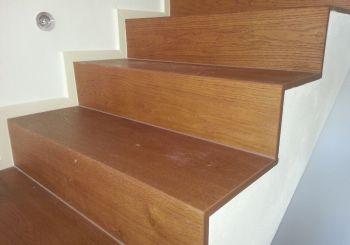 rivestimento in legno per gradini