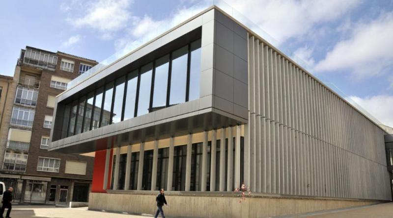 El Ayuntamiento licita dos puestos del mercado municipal para completar la planta baja con uso previsto de fruterías