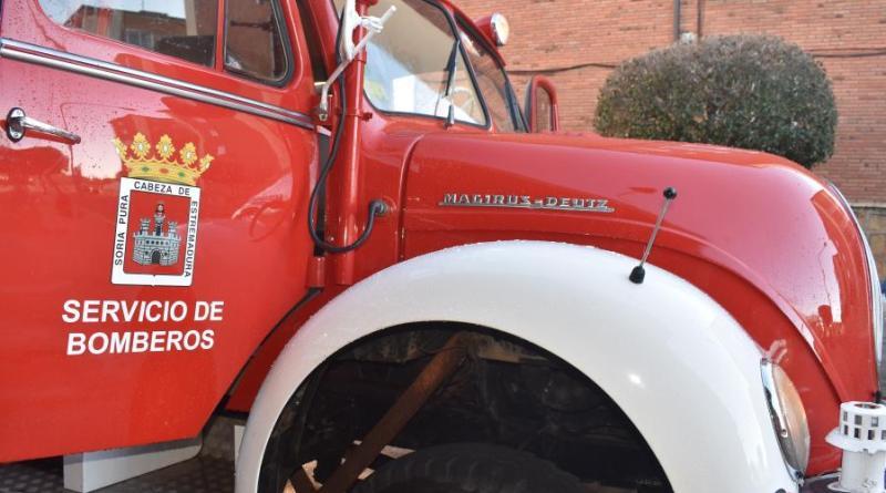 El Ayuntamiento licita la adquisición de 37 nuevos trajes de bombero por 70.000 euros que se suma al más de medio millón adjudicado este año para vehículos del parque