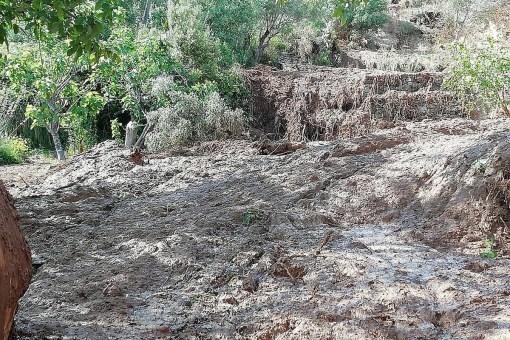 Rottura Abatemarco, fango investe abitazione. Proprietario ricoverato, sta bene. 14 1 510x340