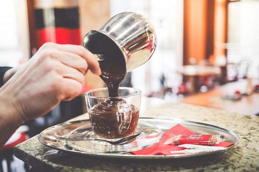 Ciocolata neagra o placere benefica