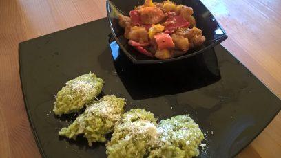 Aloo capsicum curry cu risotto cu zucchini