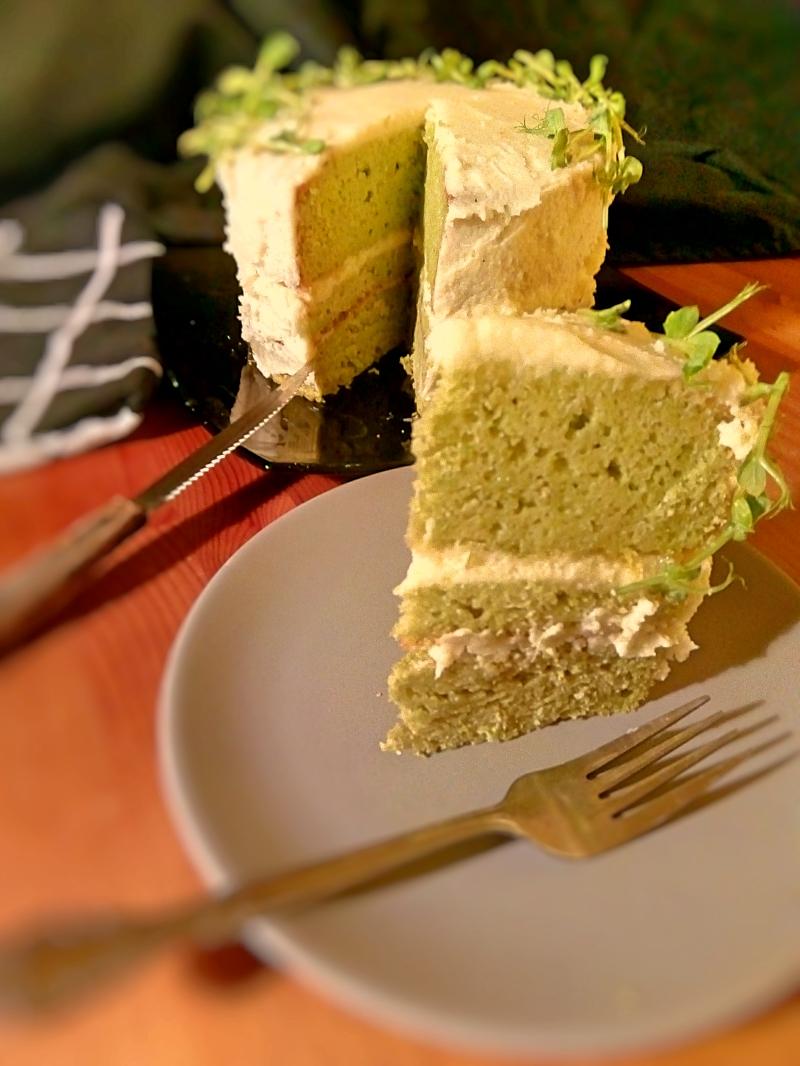 Tort cu mazare, vanilie si crema de lime