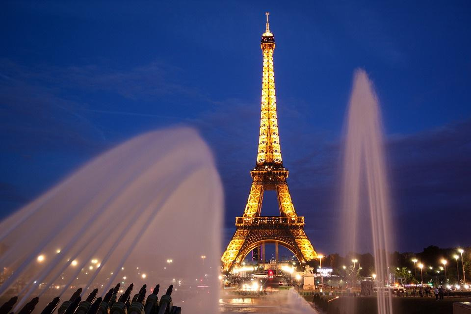Our top recommendations for the best walking tours in paris, with pictures and travel tips. Le Rallye Paris Tour Eiffel 2018 - Sortiraparis.com