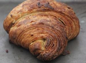 Croissant sfoglati con semi di lino