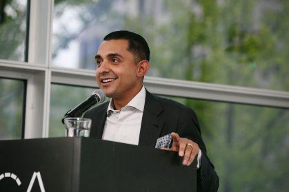 José Alvarez giving a talk