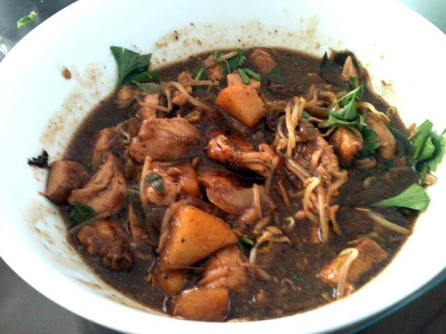 frango chinês com abacaxi é um prato fácil de preparar e muito gostoso