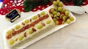 Essa Terrine de mascarpone, gorgonzola, damasco e pistache é uma deliciosa entrada para o Natal