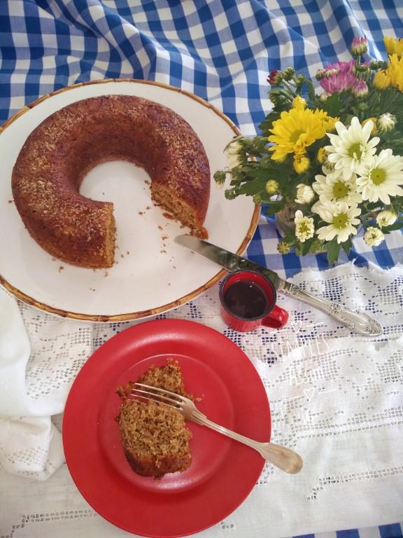 Esse bolo de maçã com especiarias é saudável e muito gostoso.