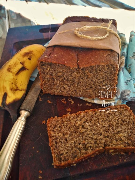 Esse pão de aveia e banana é muito gostoso e saudável.