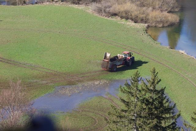 epandage au bord du Doubs - Oye-et-Pallet