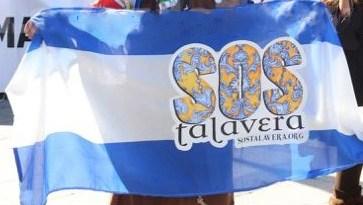 ASOCIACION-SOS-TALAVERA-SOSTALAVERA-ANIVERSARIO-MANIFESTACION-TOLEDO-BANDERA
