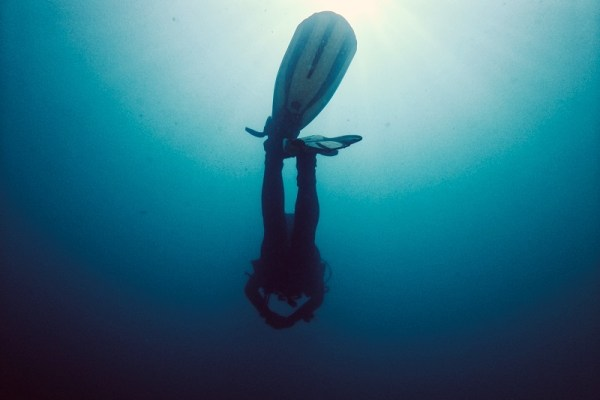 Watch your diver fins