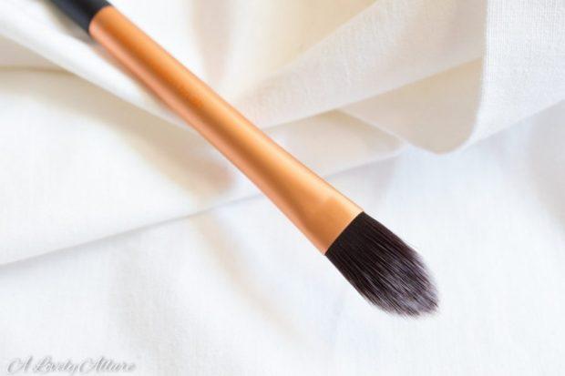 concealer brush