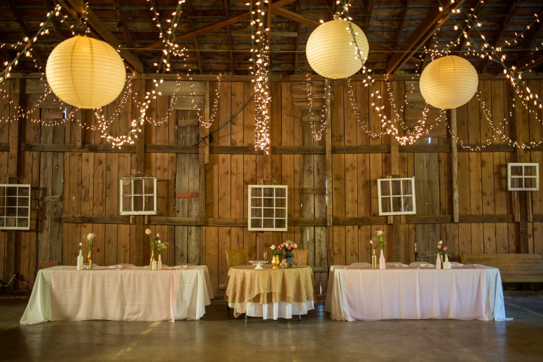 DIY Rustic Barn Wedding in Oregon