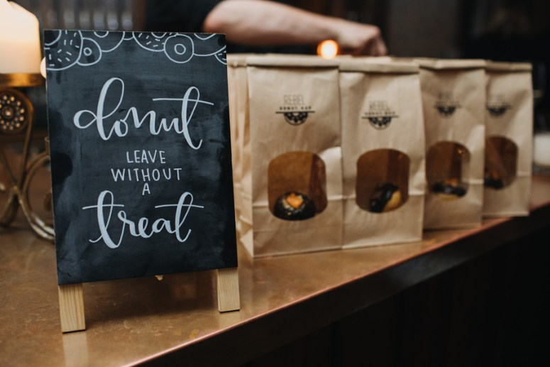 donut favor bags at a wedding