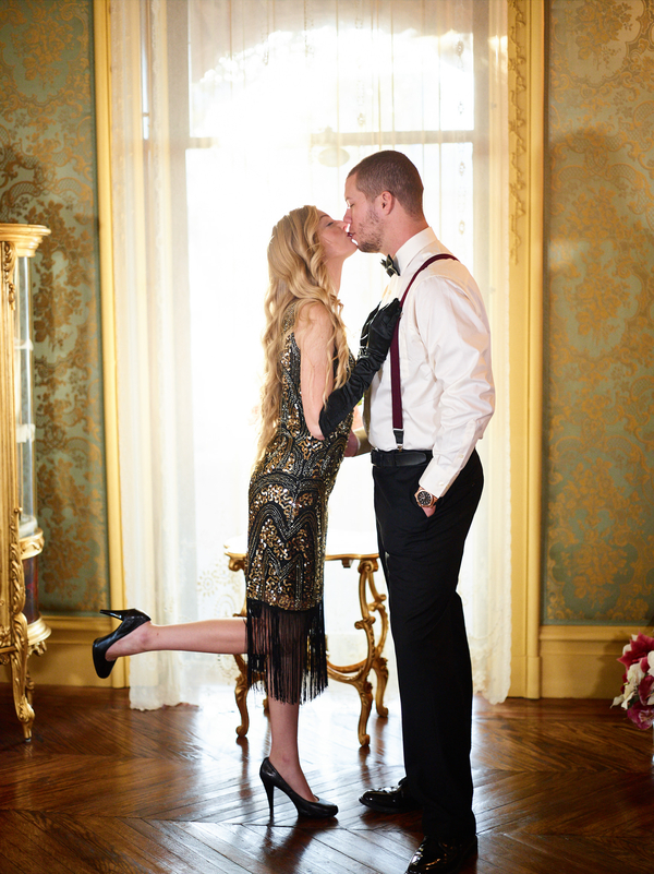 great gatsby themed couples photo shoot