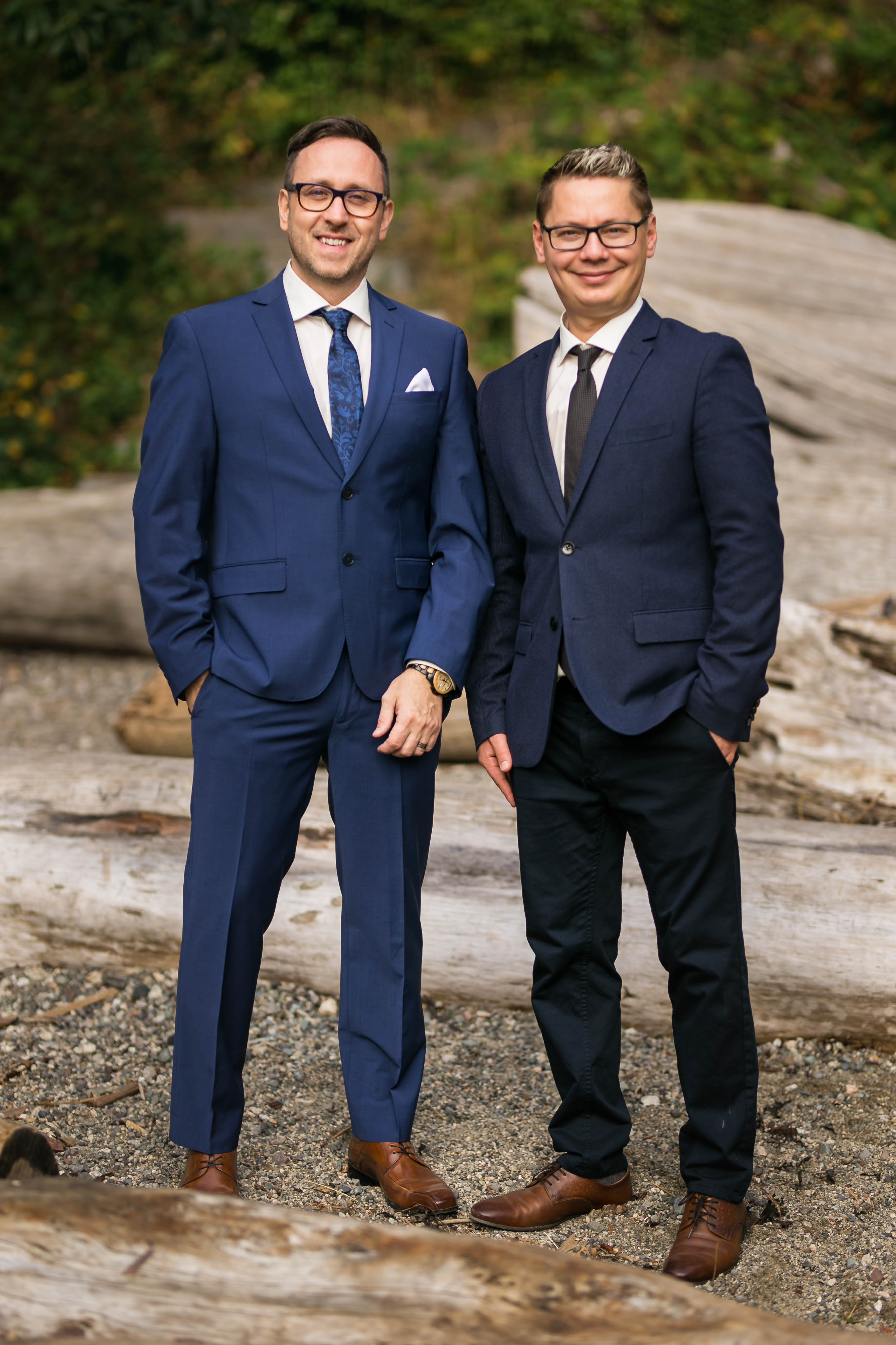 groom and groomsmen pose at wedding