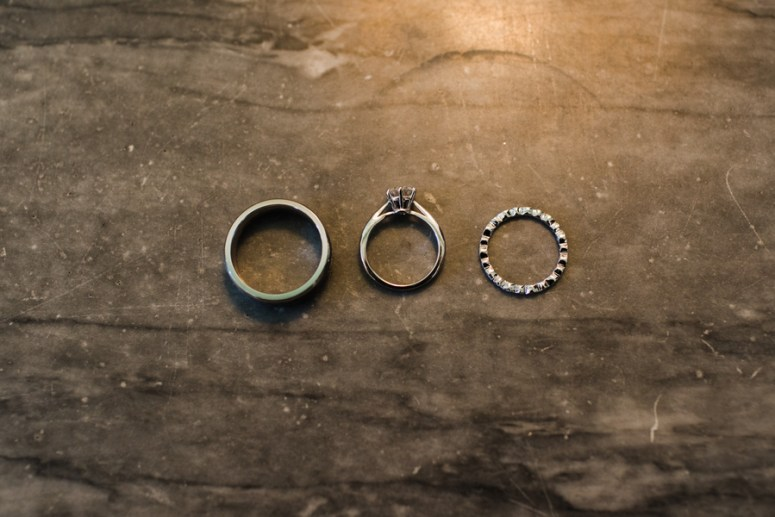 Close up of wedding rings