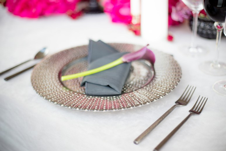 pink table setting, pink wedding decor, pink wedding color palette
