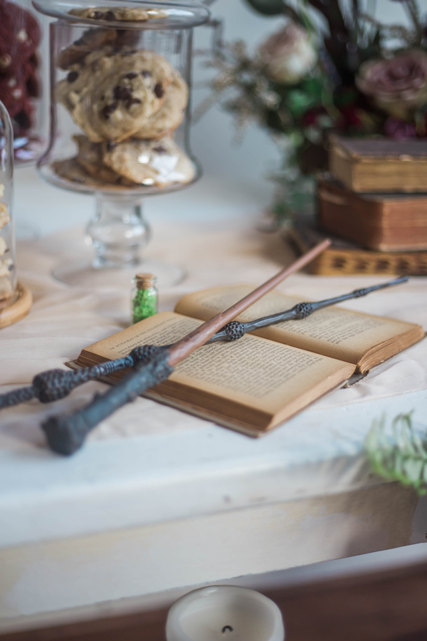 Harry Potter Wands at Wedding, Harry Potter Wedding, Harry Potter Themed Wedding
