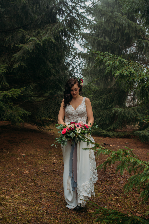 Ontario wedding photographer, bridal portrait in woods