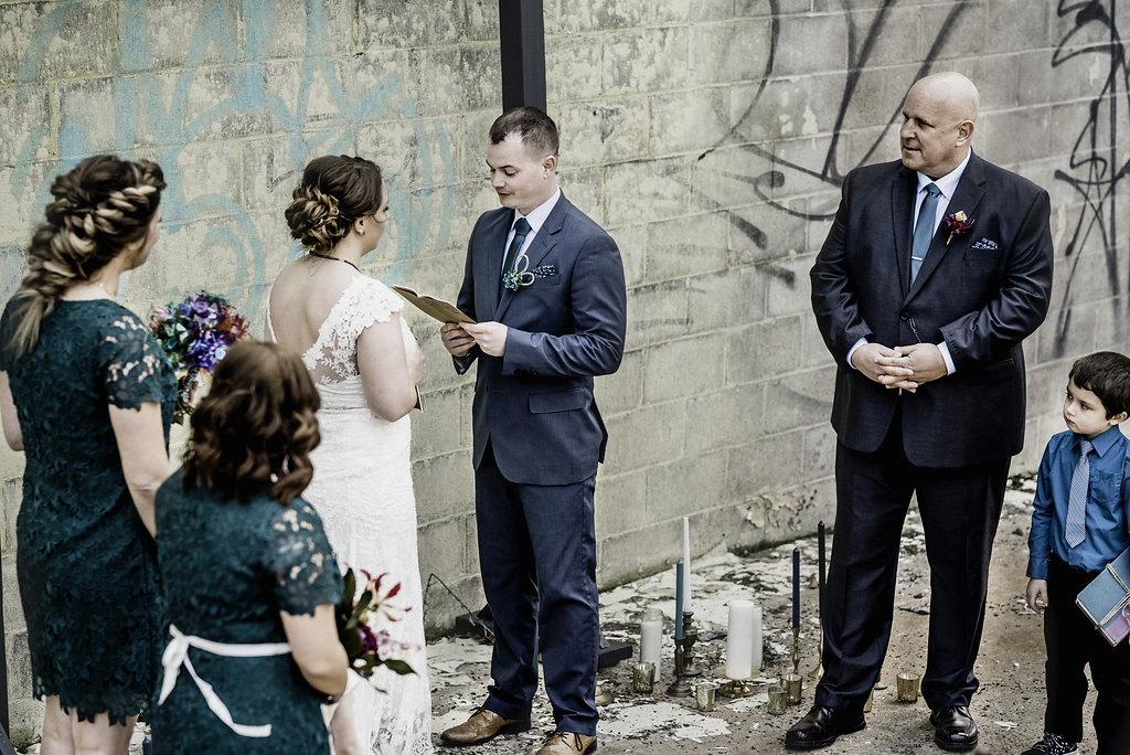 Outdoor vow renewal in Pittsburgh