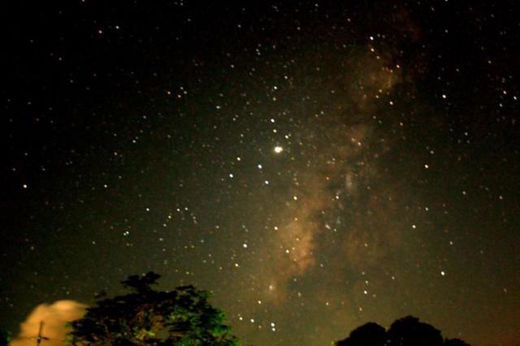 Strange trumpet sound echoing through the sky are making a comeback Night_sky_Batangas_Phillipines