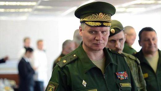 El portavoz del Ministerio de Defensa ruso, Igor Konashenkov, durante una reunión con un grupo de militares del país.