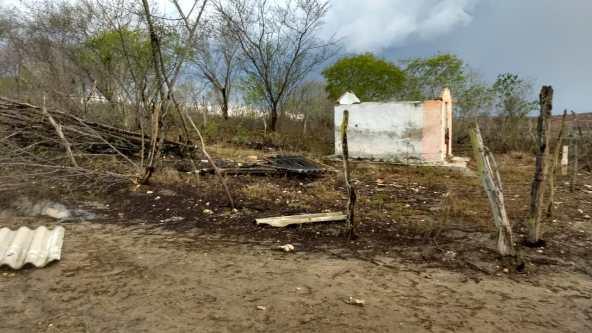 Fortes ventos deixam moradores do povoado Três Barras assustados (5)