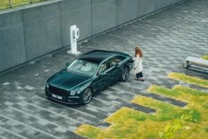 5 Bentley Flying Spur Hybrid