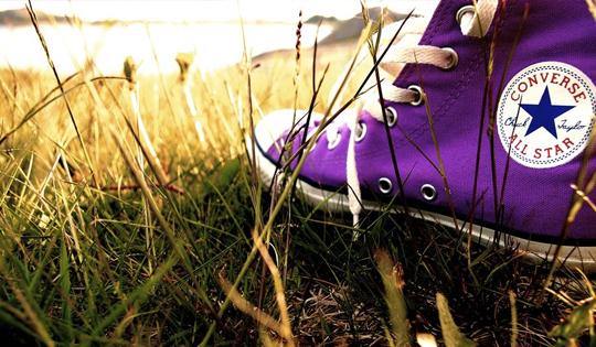 Purple_converse_by_Vilde06