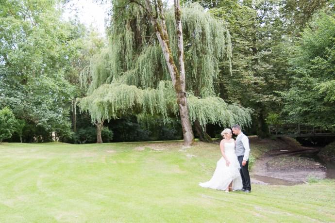 mariage-le-clos-de-mutigny-chaussee-sur-marne-51-champagne-photos-de-couple-exterieurs-photographe-soulbliss
