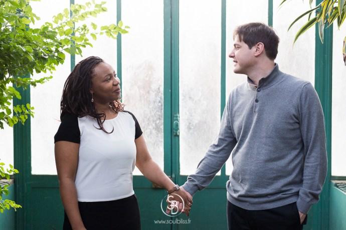 Soul_Bliss_photographie_séance_engagement_serres_tropicales_d'auteuil_92_couple_mixte_mariage_portraits_(13_sur_26)