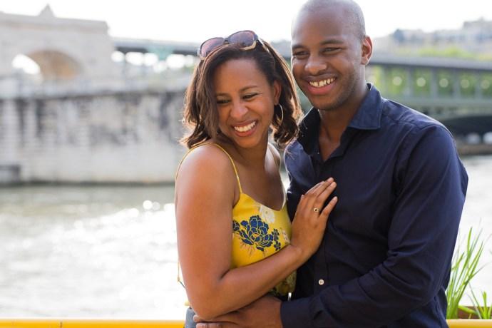 438-seance-engagement-paris-tour-eiffel-photographe-mariage-soul-bliss