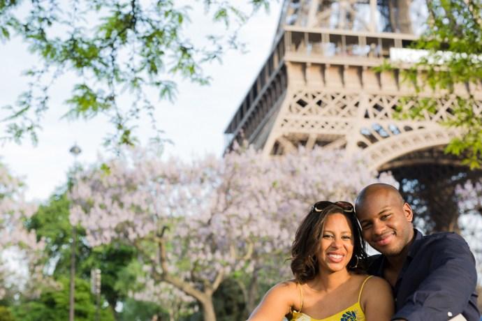 454-seance-engagement-paris-tour-eiffel-photographe-mariage-soul-bliss