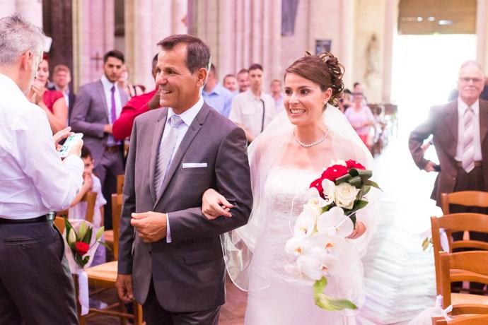 mariage-domaine-de-champgueffier-la-chapelle-iger-eglise-notre-dame-des-ardents-lagny-sur-marne-bouquet-rouge-orchidee-photographe-soul-bliss