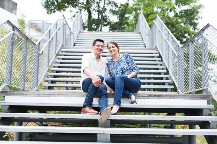 seance_engagement_paris_petite_ceinture_photo_de_couple_couple_mixte_accessoires_soulbliss_(2_sur_25)