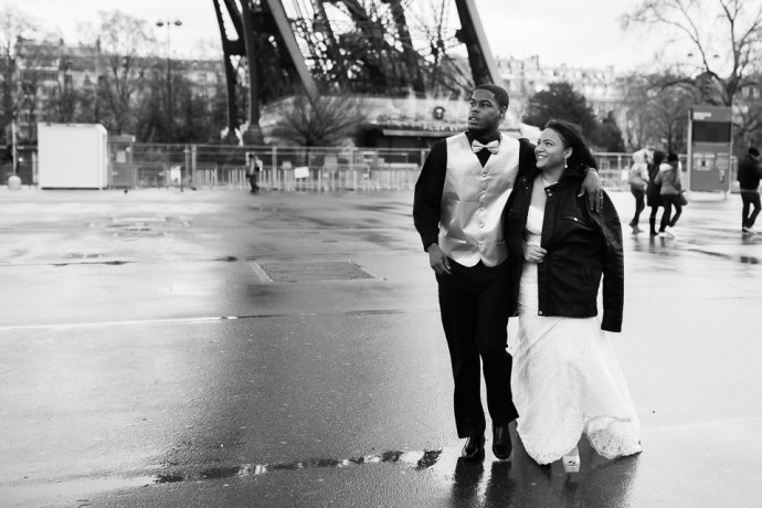 wedding elopement eiffel tower paris france french photographer soulbliiss