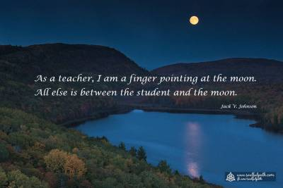 Jack-Johnson---finger-pointing-at-the-moon-1200-x-800